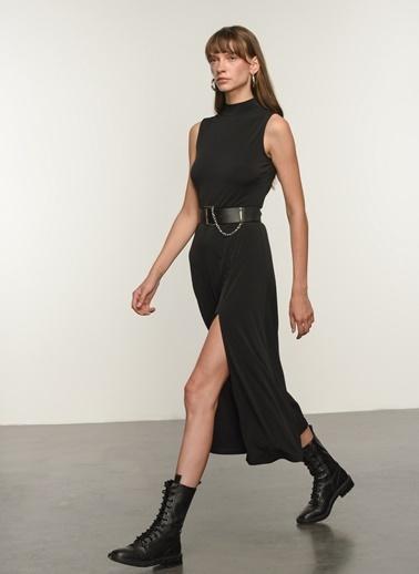 NGSTYLE Ngkss21El0018 Örme Yırtmaç Detaylı Günlük Kolsuz Elbise Siyah